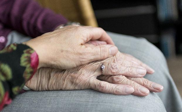 Pflege zu Hause – Welche Leistungen pflegenden Angehörigen zustehen