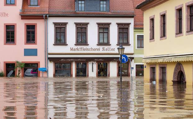 Elementarschäden – Das Unternehmen richtig gegen Überschwemmung, Erdrutsch & Co. absichern