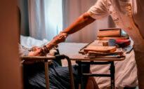 Versorgung kranker Angehöriger – Wie finde ich das passende Pflegeheim?