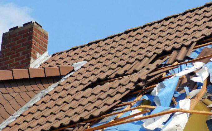 Orkantief Sabine: Welche Versicherung haftet bei Sturmschäden?