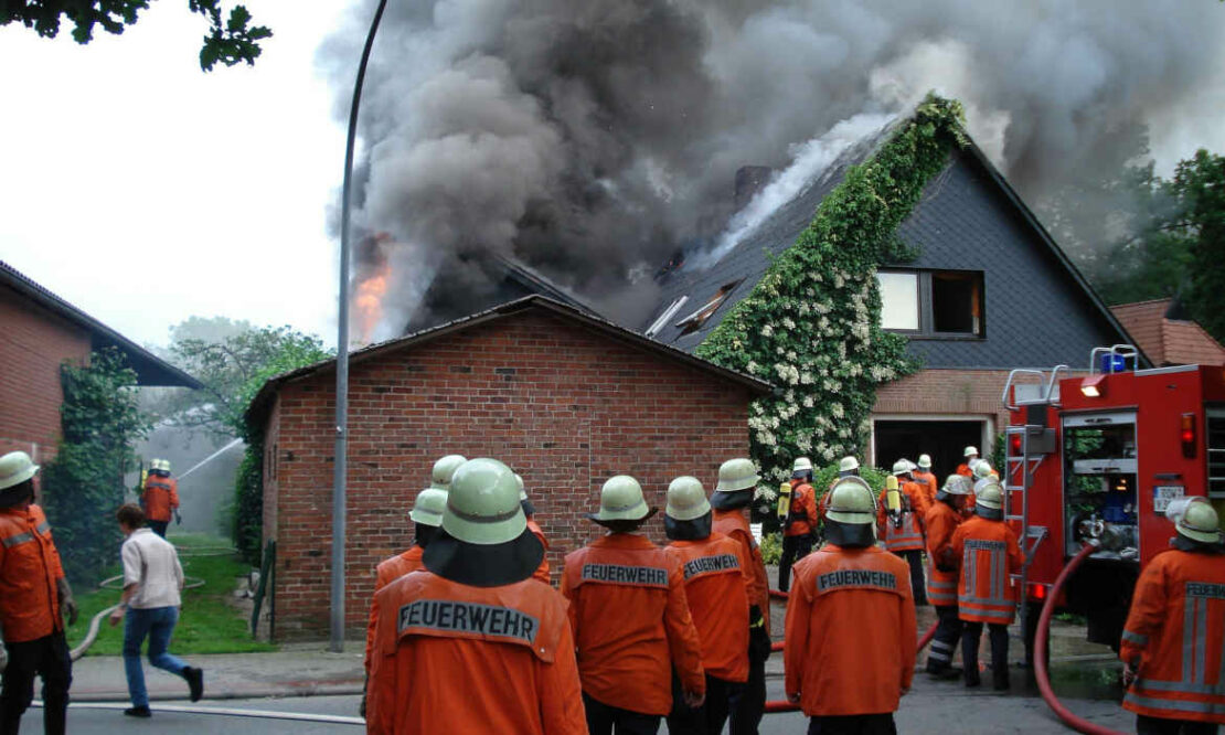 Genau hinschauen: Worauf Hausbesitzer bei der Wohngebäudeversicherung achten sollten