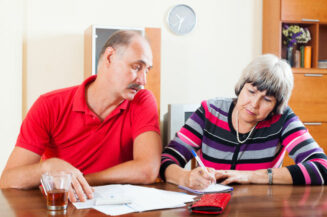 Warum die Beiträge jetzt steigen und was Versicherte tun können
