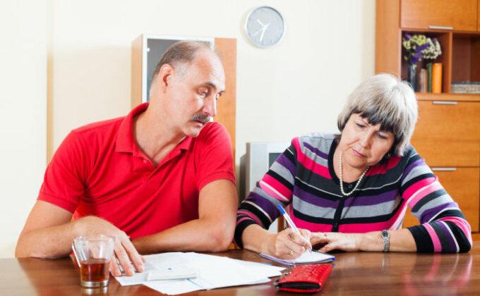 Private Pflegeversicherung: Warum die Beiträge jetzt steigen und was Versicherte tun können